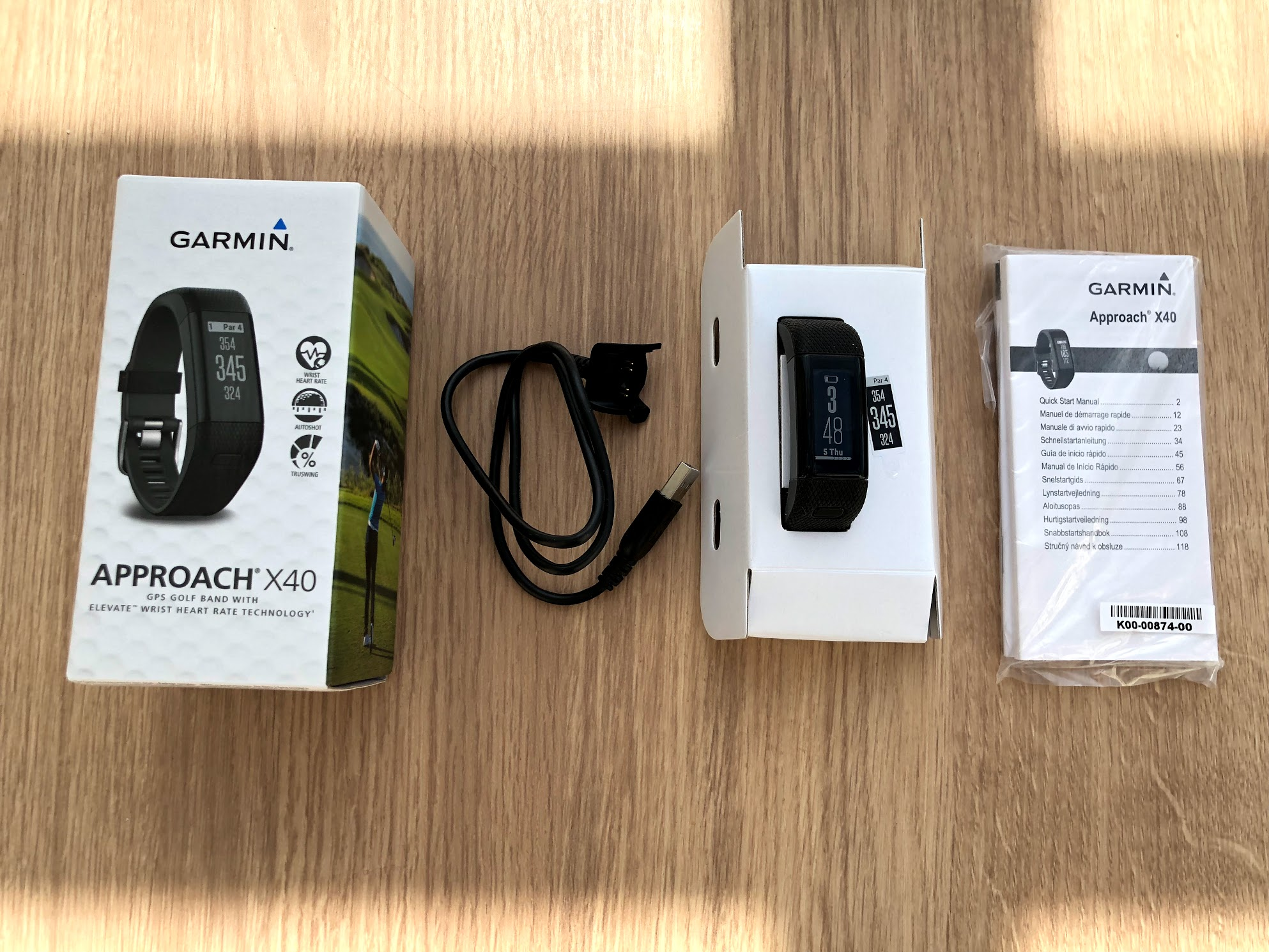 Garmin Approach X40 – Golf GPS Golf Band and multi sport 'Fitbit